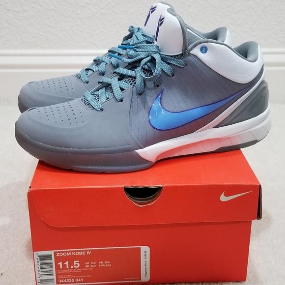 ad3f81486be5 Nike Zoom Kobe IV. M 5c32c25ba5d7c6450b7e4901